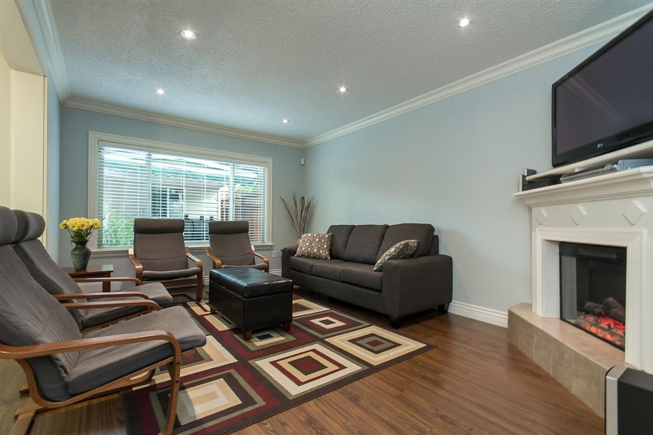 """Photo 2: Photos: 34 32310 MOUAT Drive in Abbotsford: Abbotsford West Townhouse for sale in """"Mouat Gardens"""" : MLS®# R2097604"""