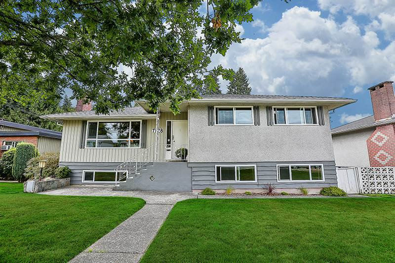 Main Photo: 7128 GIBSON Street in Burnaby: Montecito House for sale (Burnaby North)  : MLS®# R2197696