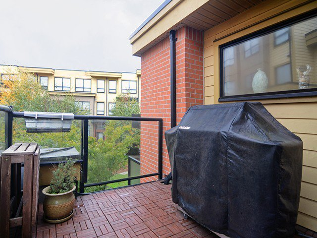 Main Photo: # 135 1863 STAINSBURY AV in Vancouver: Victoria VE Condo for sale (Vancouver East)  : MLS®# V1090916