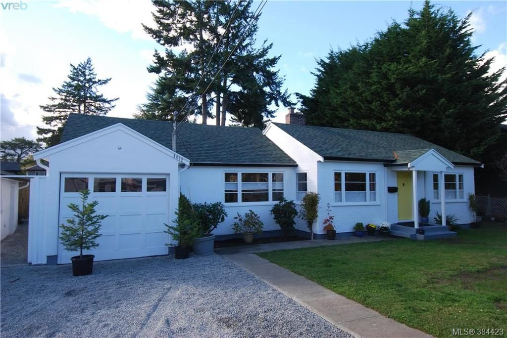 Main Photo: 4012 N Raymond St in VICTORIA: SW Glanford Single Family Detached for sale (Saanich West)  : MLS®# 772693