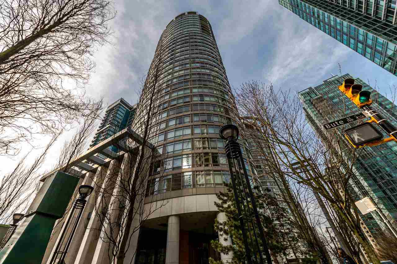 "Main Photo: 2302 1200 ALBERNI Street in Vancouver: West End VW Condo for sale in ""Pallisades"" (Vancouver West)  : MLS®# R2247214"