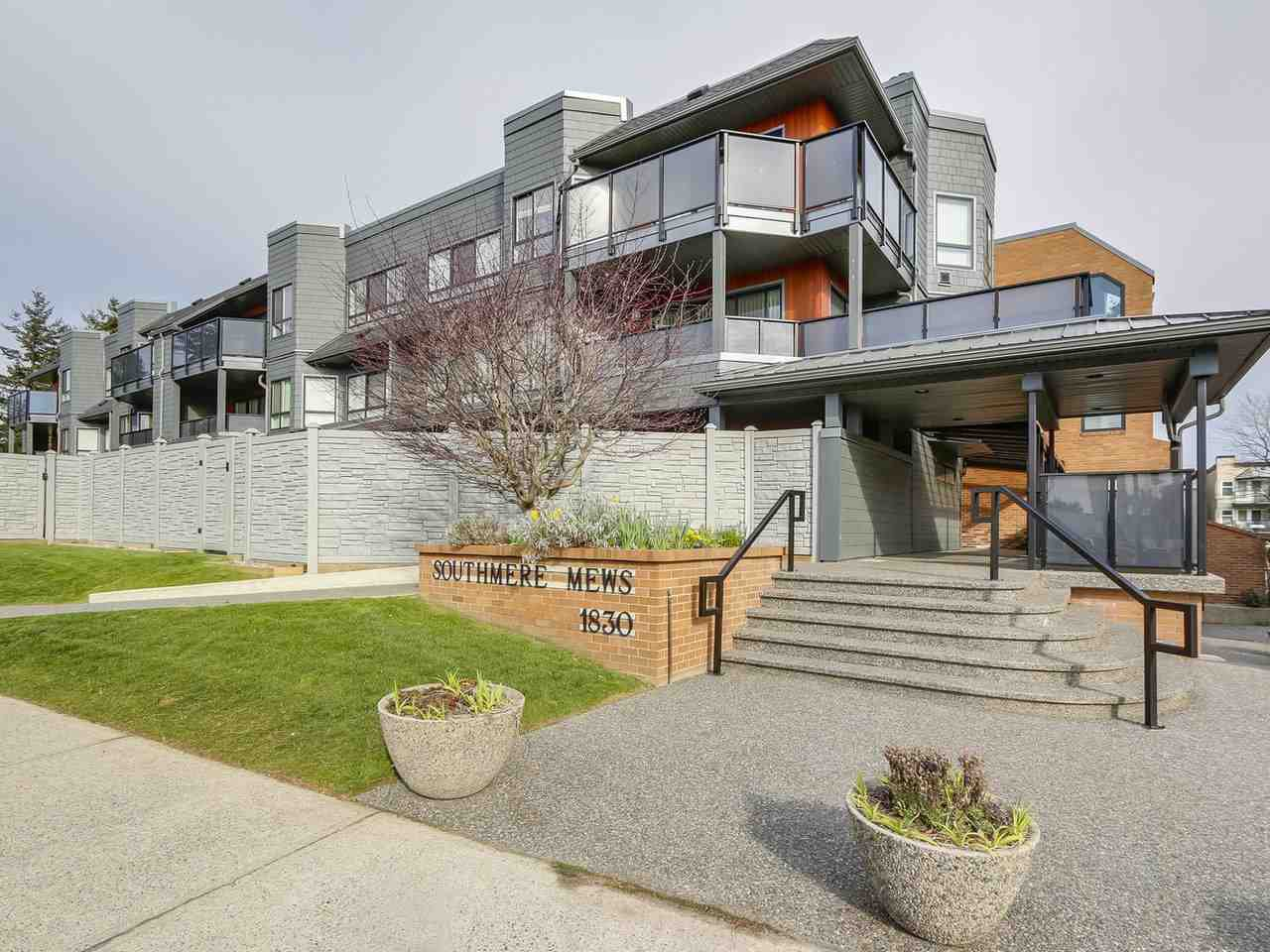 """Main Photo: 205 1830 E SOUTHMERE Crescent in Surrey: Sunnyside Park Surrey Condo for sale in """"Southmere Mews"""" (South Surrey White Rock)  : MLS®# R2249894"""