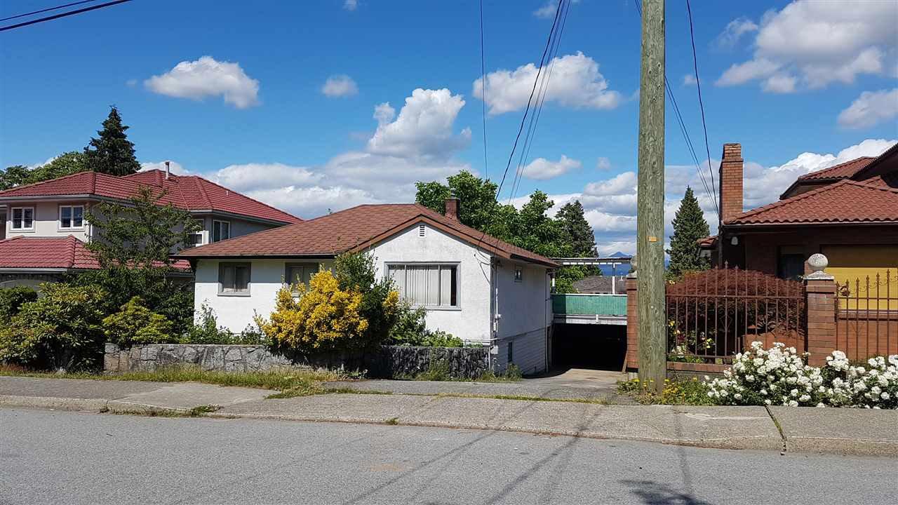 "Main Photo: 6250 LEIBLY Avenue in Burnaby: Upper Deer Lake House for sale in ""Upper Deer Lake"" (Burnaby South)  : MLS®# R2278774"