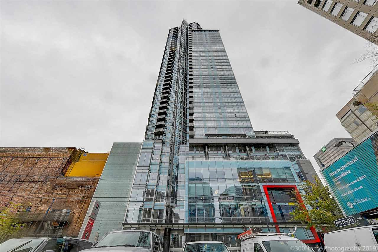 "Main Photo: 1707 833 SEYMOUR Street in Vancouver: Downtown VW Condo for sale in ""Capitol Residence"" (Vancouver West)  : MLS®# R2361796"