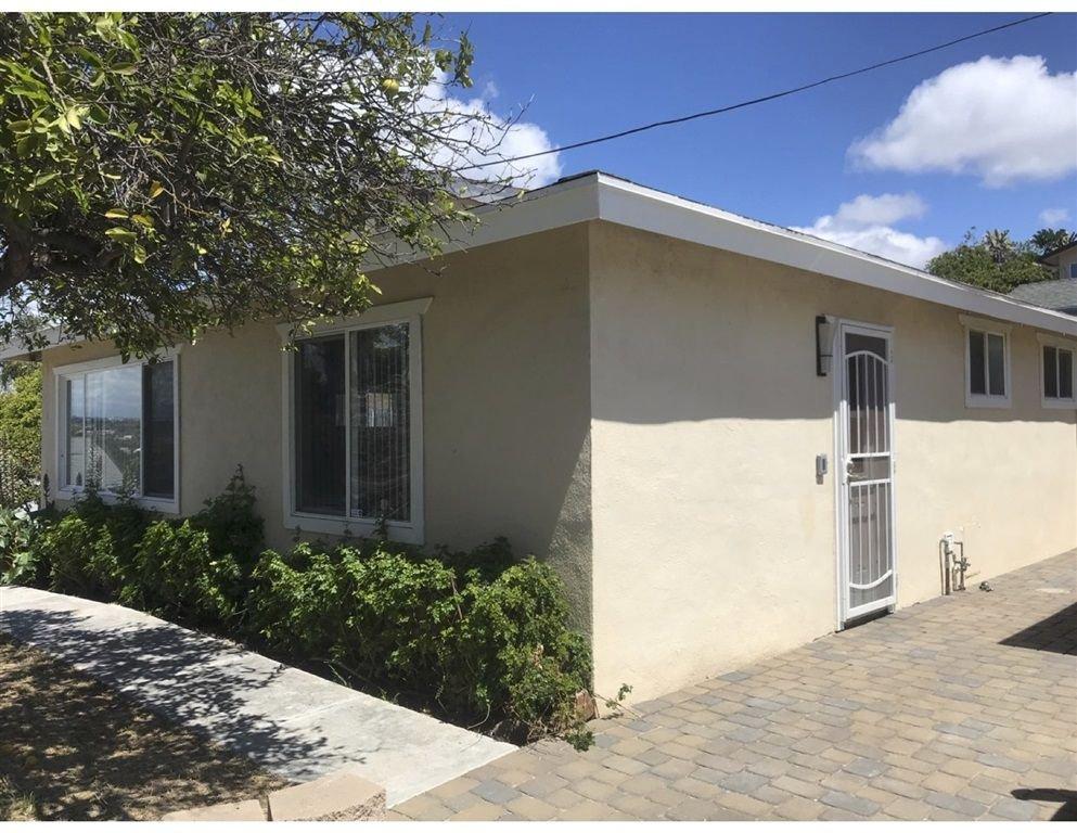 Photo 9: Photos: VISTA House for sale : 2 bedrooms : 349 LADO DE LOMA