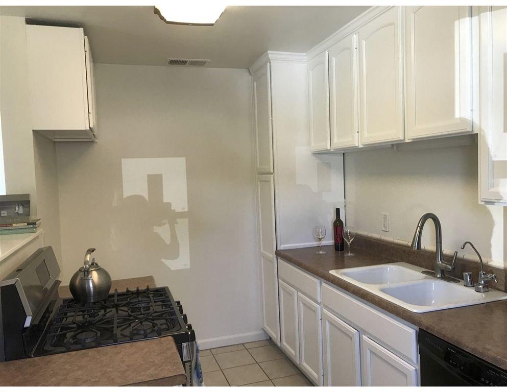 Photo 3: Photos: VISTA House for sale : 2 bedrooms : 349 LADO DE LOMA
