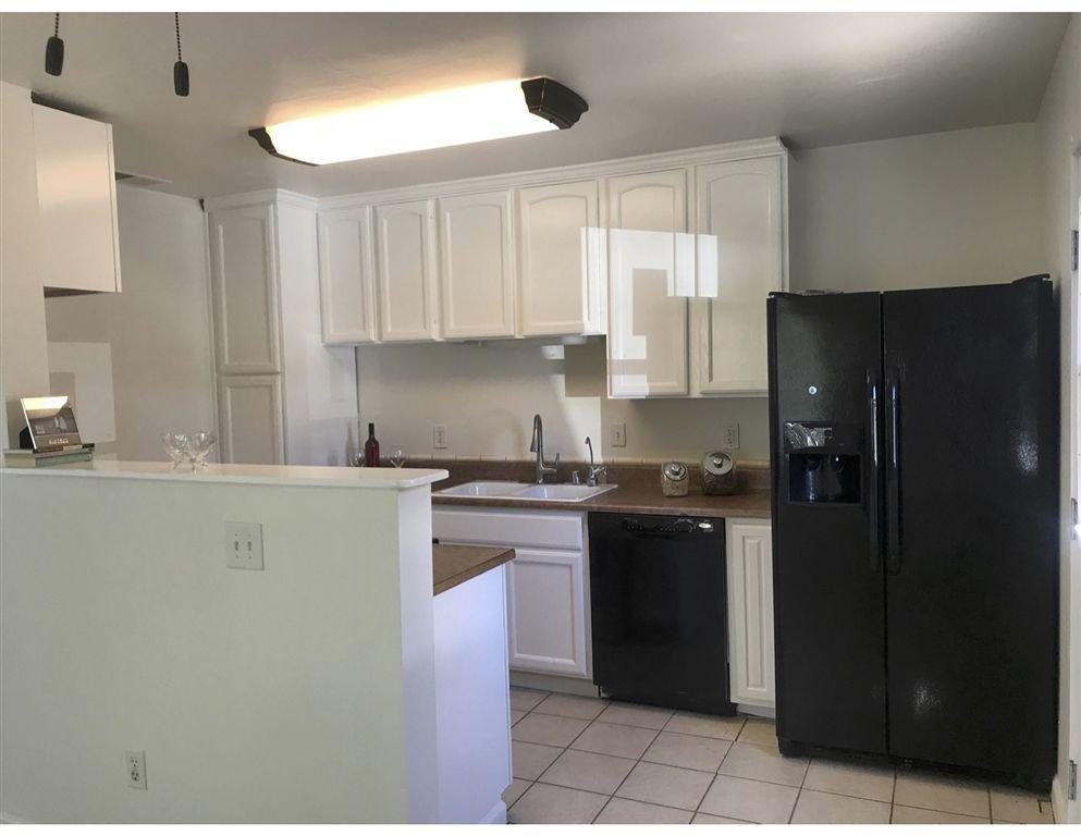 Photo 4: Photos: VISTA House for sale : 2 bedrooms : 349 LADO DE LOMA