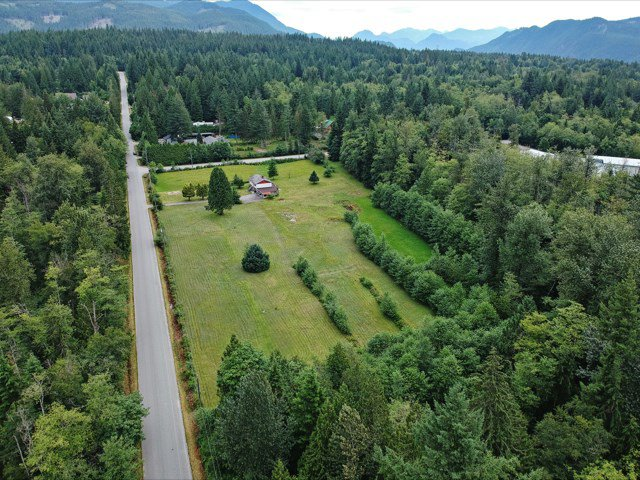 """Main Photo: 12162 ROLLEY LAKE Street in Mission: Stave Falls House for sale in """"Stave Falls"""" : MLS®# R2388736"""