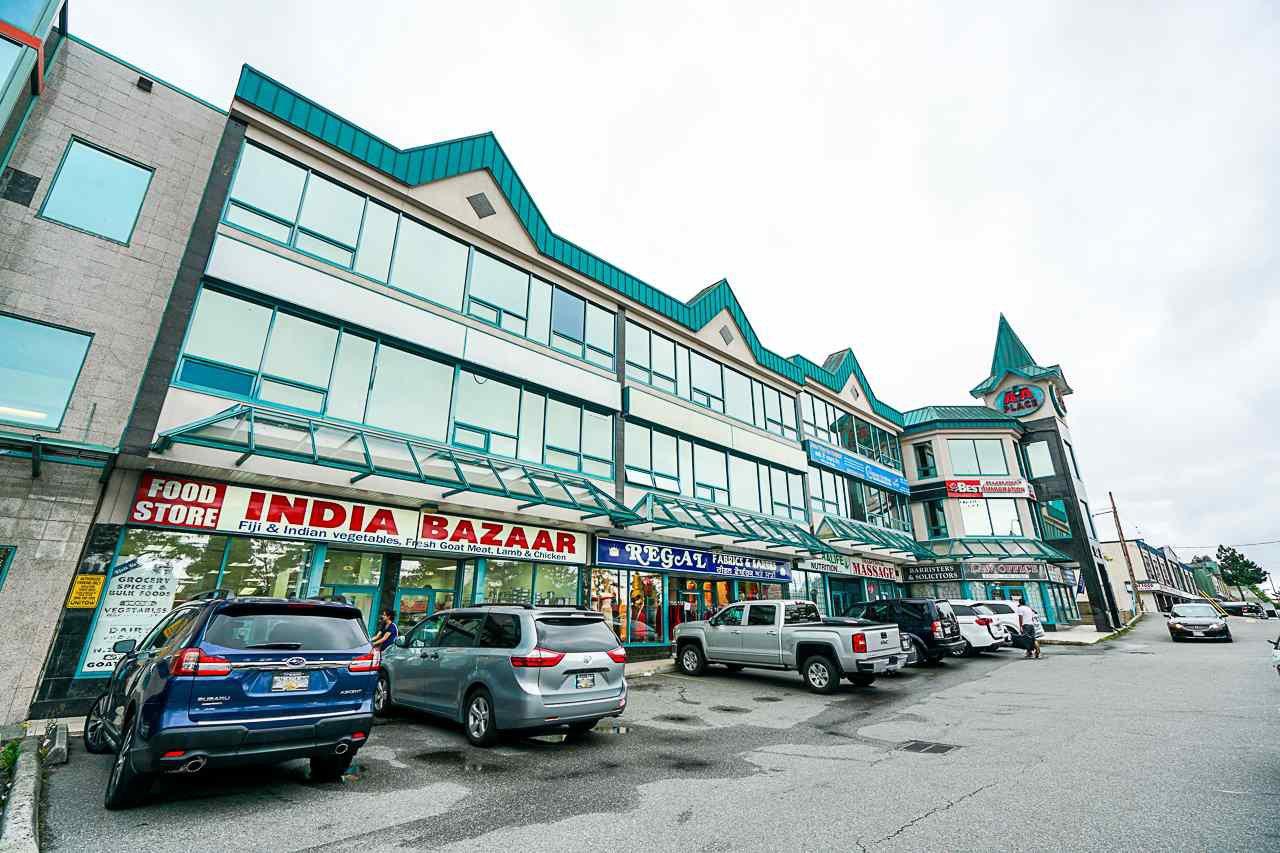 Main Photo: 308 9278 120 Street in Surrey: Queen Mary Park Surrey Condo for sale : MLS®# R2423691