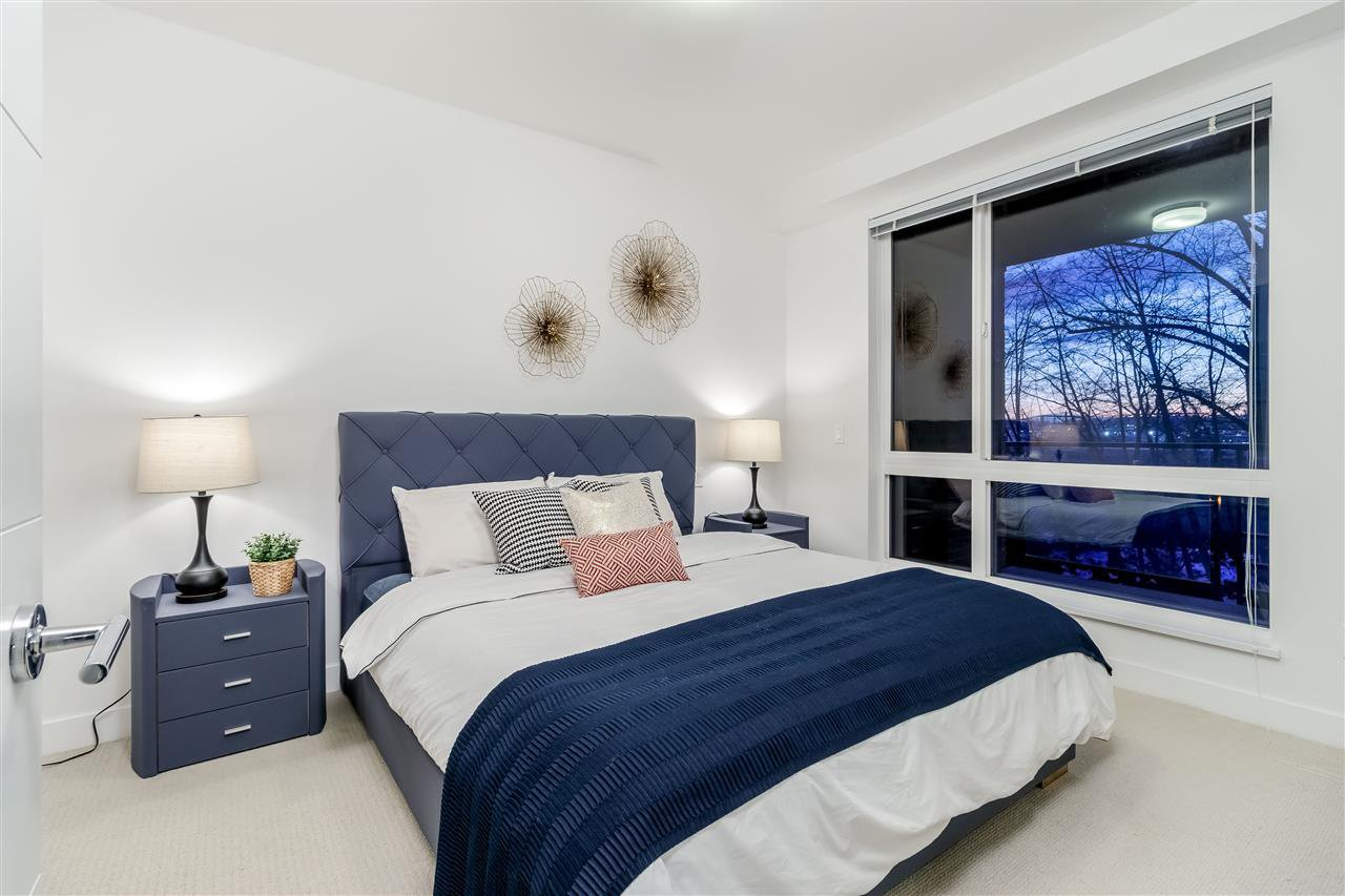 Photo 10: Photos: 307-733 W rd St. in North Vancouver: Harbourside Condo for rent