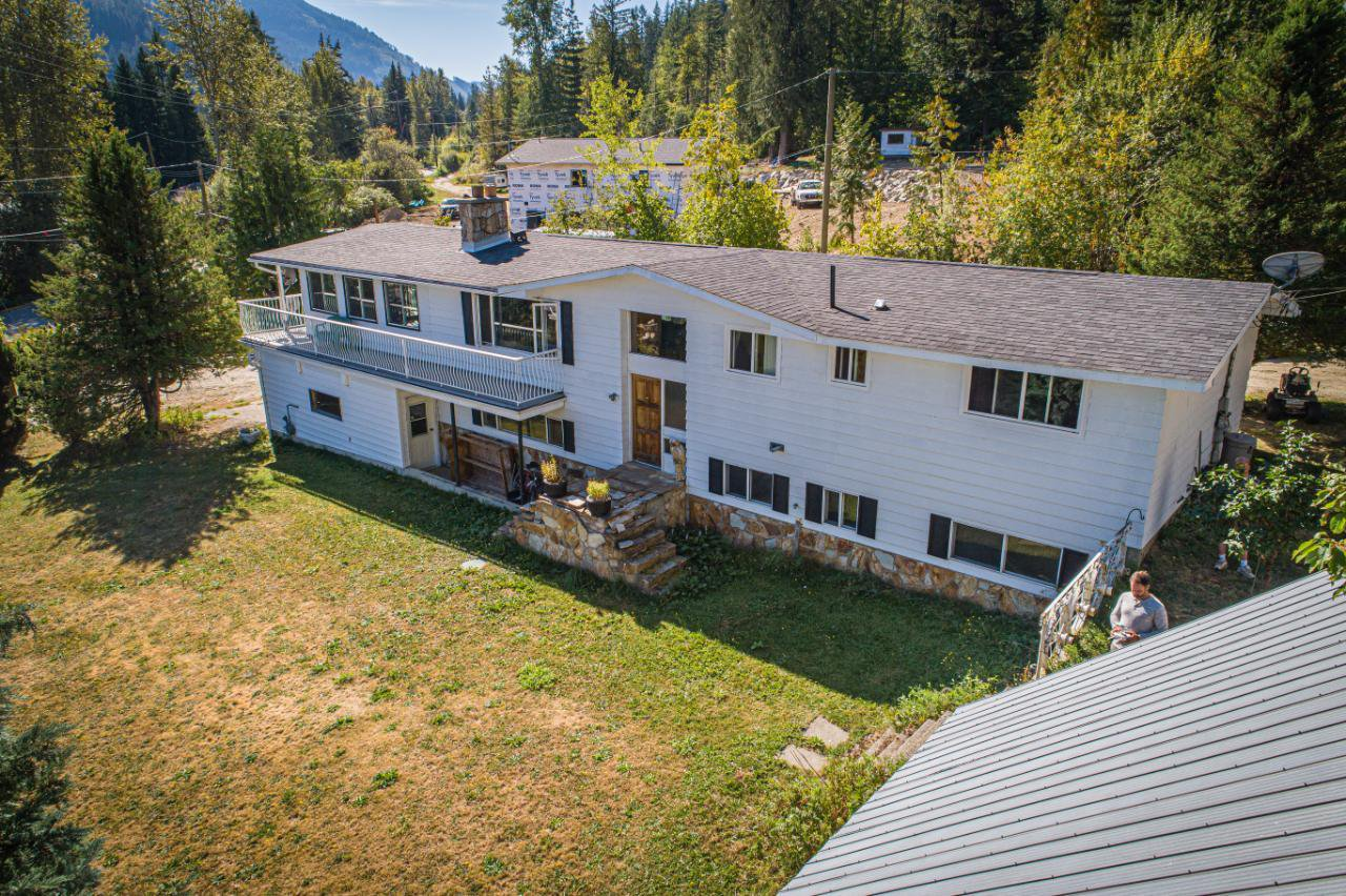 Main Photo: 2402 SILVER KING ROAD in Nelson: House for sale : MLS®# 2454187