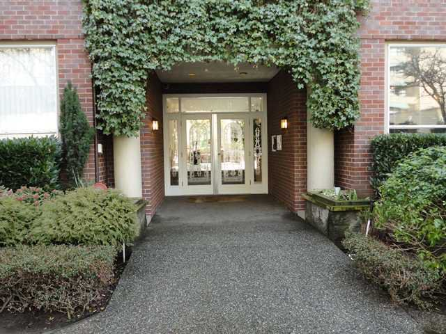 "Main Photo: 107 1230 HARO Street in Vancouver: West End VW Condo for sale in ""1230 HARO"" (Vancouver West)  : MLS®# V876370"