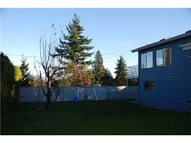 """Photo 15: Photos: 2874 NORMAN Avenue in Coquitlam: Ranch Park House for sale in """"RANCH PARK"""" : MLS®# V1036565"""