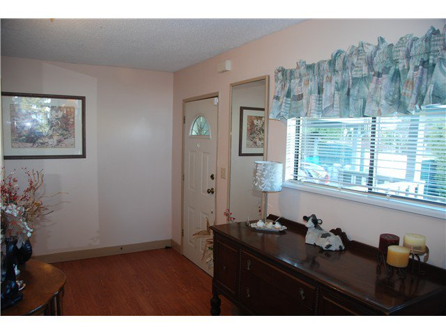 """Photo 9: Photos: 2874 NORMAN Avenue in Coquitlam: Ranch Park House for sale in """"RANCH PARK"""" : MLS®# V1036565"""