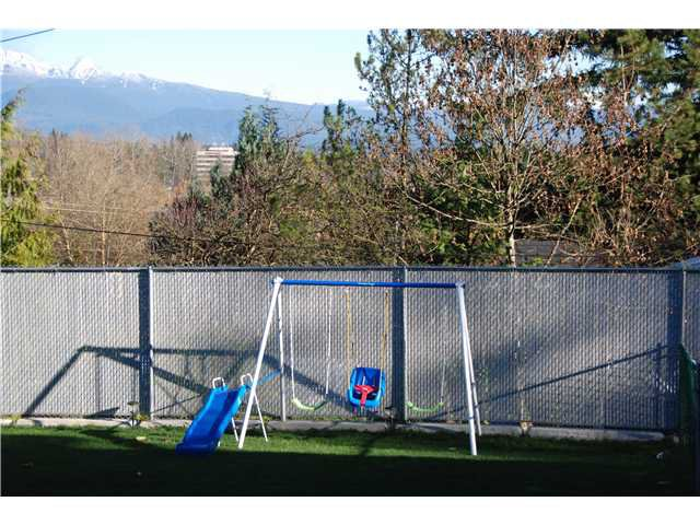 """Photo 2: Photos: 2874 NORMAN Avenue in Coquitlam: Ranch Park House for sale in """"RANCH PARK"""" : MLS®# V1036565"""