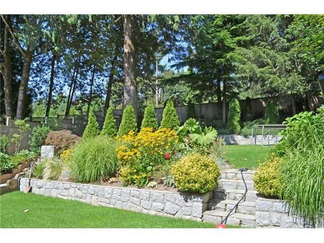 Photo 15: Photos: 307 MARINER Way in Coquitlam: Cape Horn House for sale : MLS®# V1041229