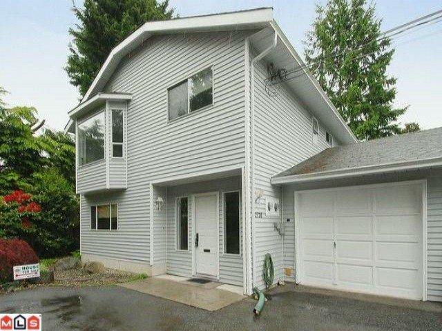 "Main Photo: 2528  126TH ST in Surrey: Crescent Bch Ocean Pk. House 1/2 Duplex for sale in ""OCEAN PARK"" (South Surrey White Rock)  : MLS®# F1205160"