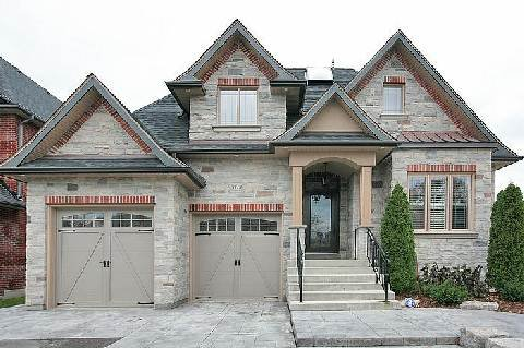Main Photo: 111A Naughton Drive in Richmond Hill: Westbrook House (Bungaloft) for sale : MLS®# N2892654