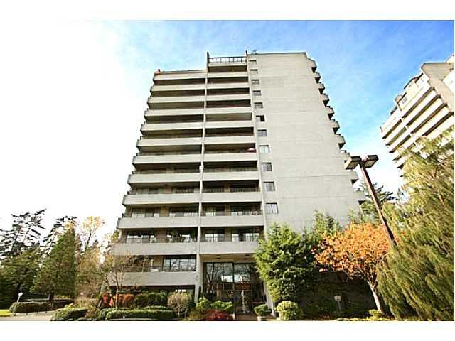 "Main Photo: 302 4194 MAYWOOD Street in Burnaby: Metrotown Condo for sale in ""PARK AVENUE TOWERS"" (Burnaby South)  : MLS®# V1063946"