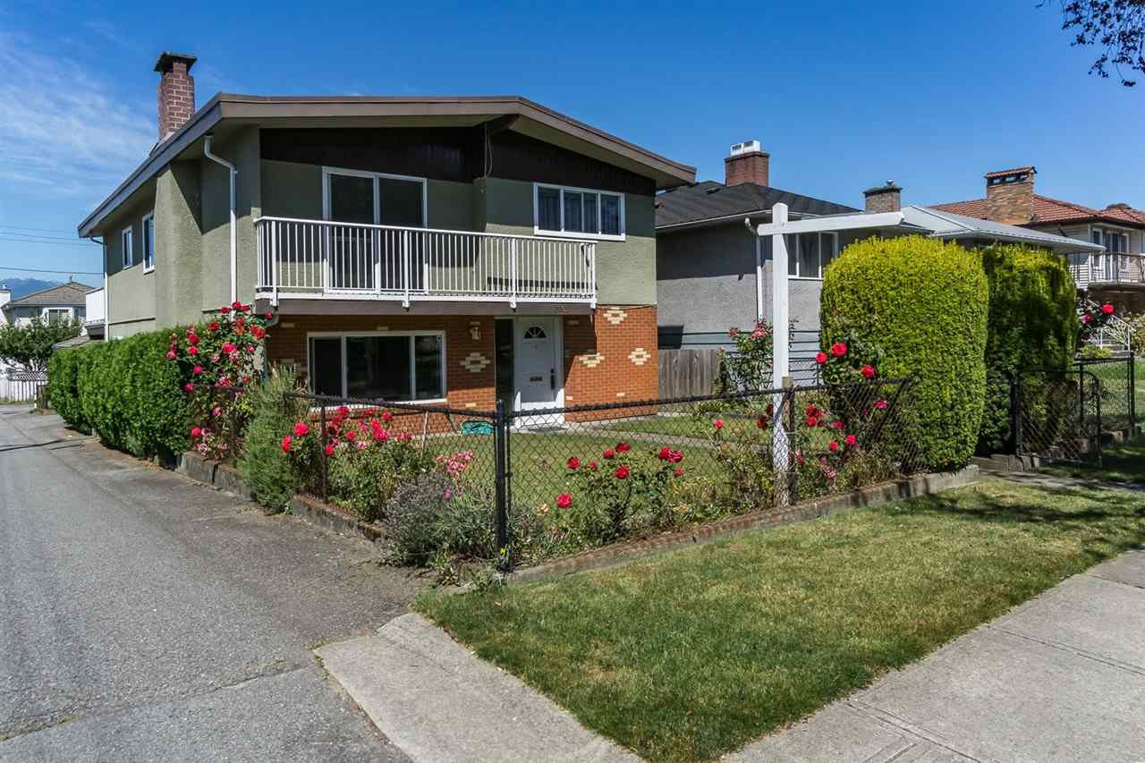"Main Photo: 3305 E 25TH Avenue in Vancouver: Renfrew Heights House for sale in ""RENFREW HEIGHTS"" (Vancouver East)  : MLS®# R2097211"