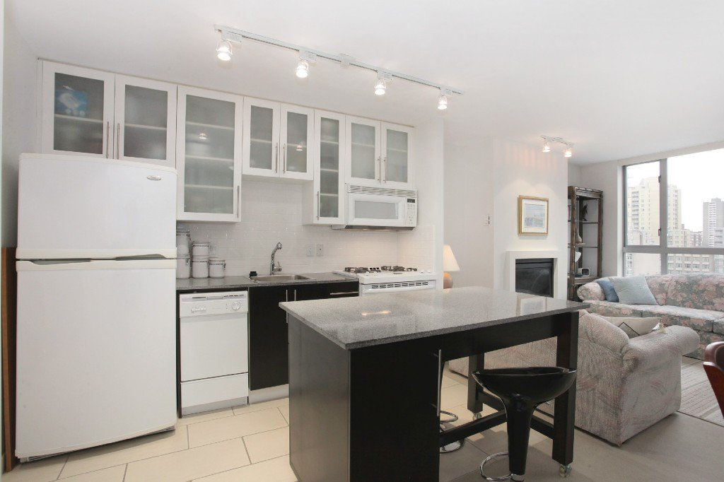 Main Photo: 1109 1225 RICHARDS STREET in : Downtown VW Condo for sale : MLS®# V996638