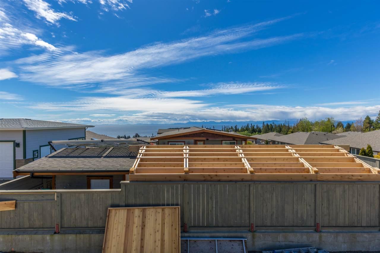 Photo 16: Photos: 6241 DELPHI Place in Sechelt: Sechelt District House for sale (Sunshine Coast)  : MLS®# R2160868