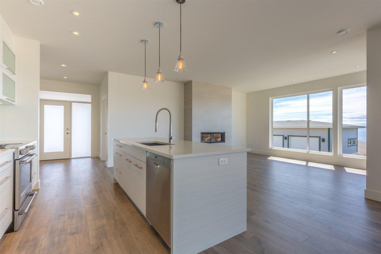 Photo 7: Photos: 6241 DELPHI Place in Sechelt: Sechelt District House for sale (Sunshine Coast)  : MLS®# R2160868