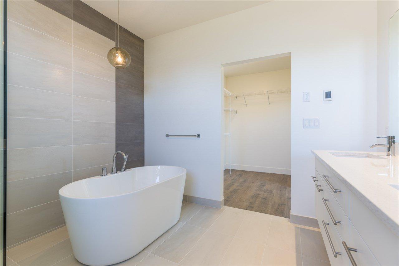 Photo 11: Photos: 6241 DELPHI Place in Sechelt: Sechelt District House for sale (Sunshine Coast)  : MLS®# R2160868