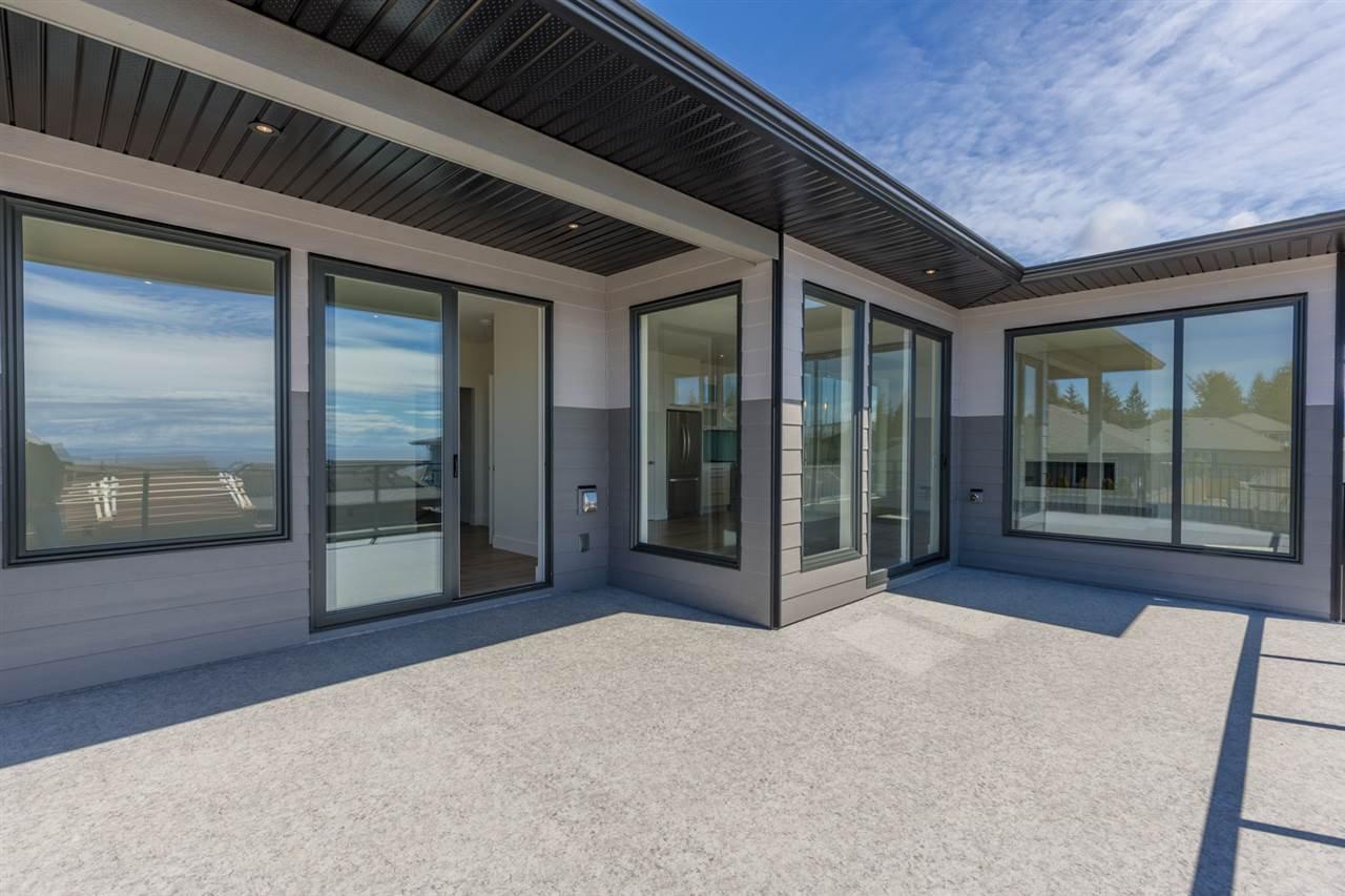 Photo 13: Photos: 6241 DELPHI Place in Sechelt: Sechelt District House for sale (Sunshine Coast)  : MLS®# R2160868
