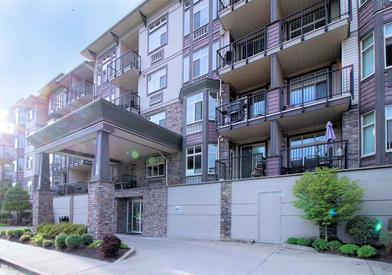 "Main Photo: 108 45893 CHESTERFIELD Avenue in Chilliwack: Chilliwack W Young-Well Condo for sale in ""The Willows"" : MLS®# R2170192"