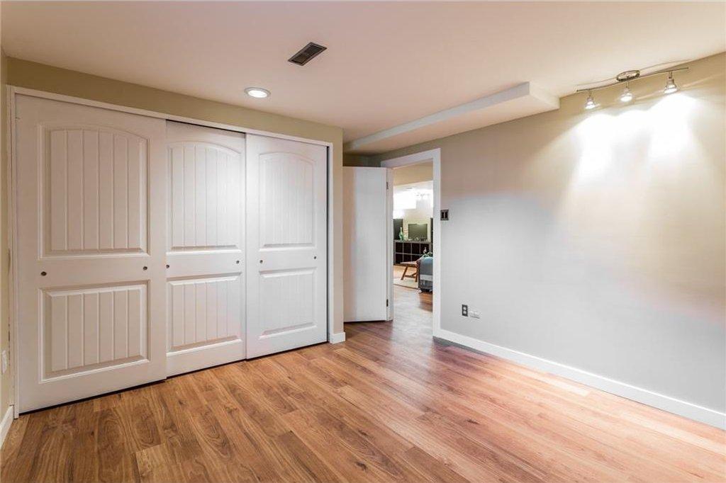 Photo 37: Photos: 51 HOLDEN Road SW in Calgary: Haysboro House for sale : MLS®# C4125206