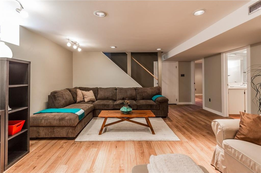 Photo 34: Photos: 51 HOLDEN Road SW in Calgary: Haysboro House for sale : MLS®# C4125206