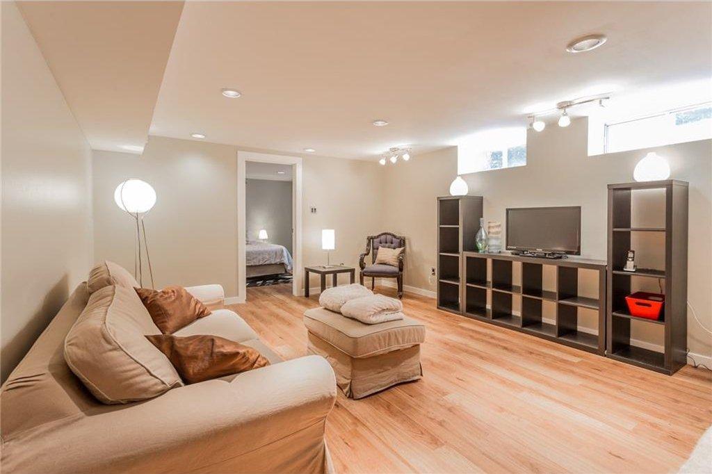 Photo 33: Photos: 51 HOLDEN Road SW in Calgary: Haysboro House for sale : MLS®# C4125206