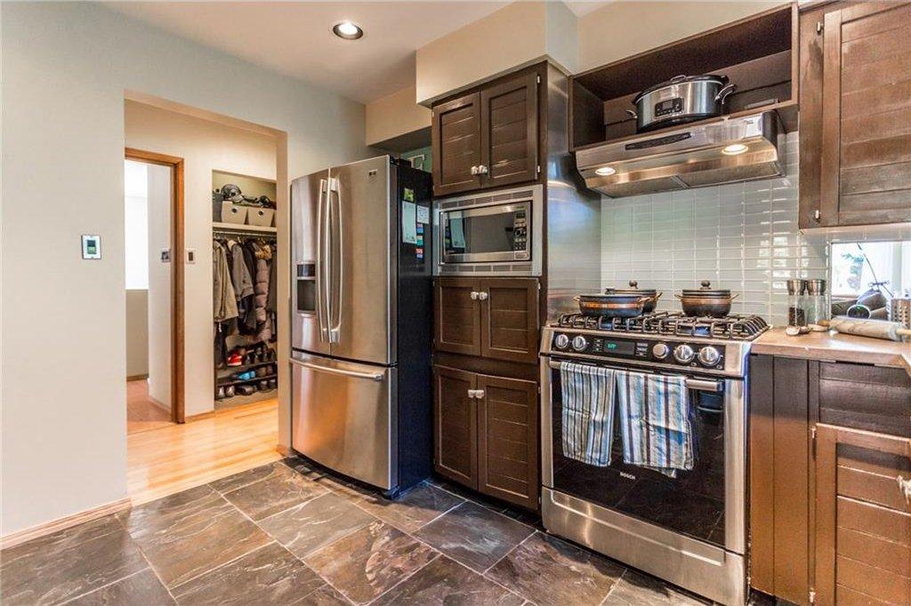 Photo 16: Photos: 51 HOLDEN Road SW in Calgary: Haysboro House for sale : MLS®# C4125206