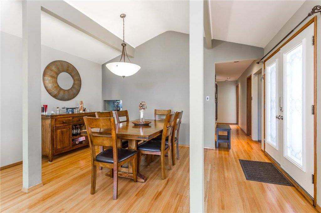 Photo 12: Photos: 51 HOLDEN Road SW in Calgary: Haysboro House for sale : MLS®# C4125206