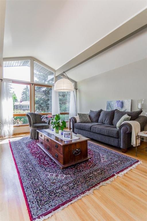 Photo 8: Photos: 51 HOLDEN Road SW in Calgary: Haysboro House for sale : MLS®# C4125206