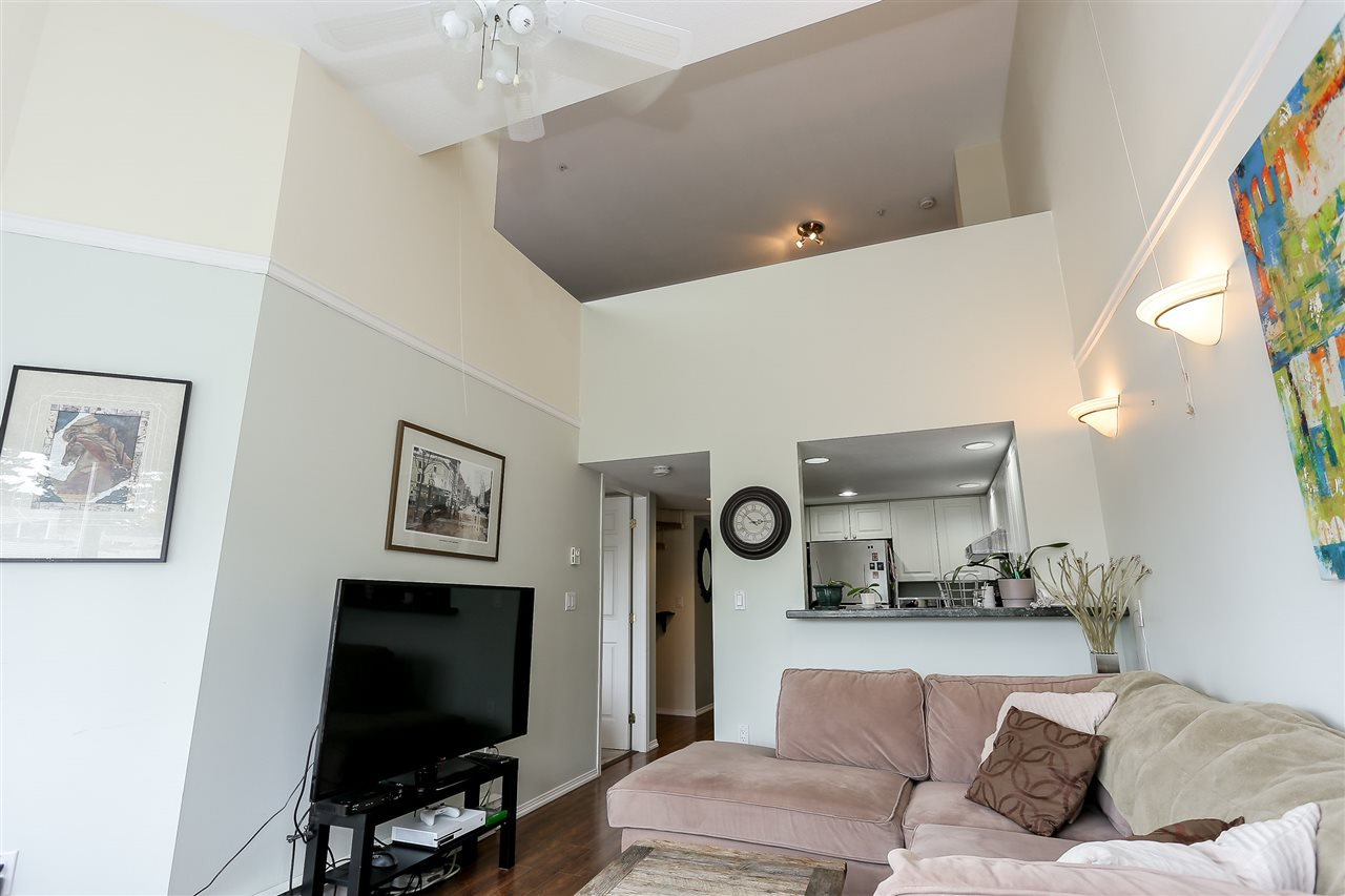 "Photo 6: Photos: 402 14355 103 Avenue in Surrey: Whalley Condo for sale in ""Claridge Court"" (North Surrey)  : MLS®# R2191413"