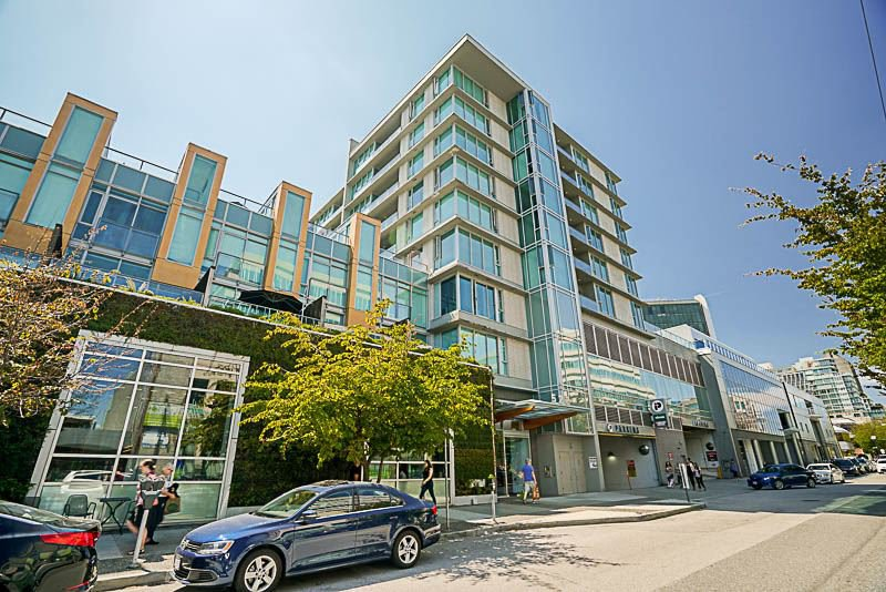 "Main Photo: 508 522 W 8TH Avenue in Vancouver: Fairview VW Condo for sale in ""CROSSROADS"" (Vancouver West)  : MLS®# R2193198"