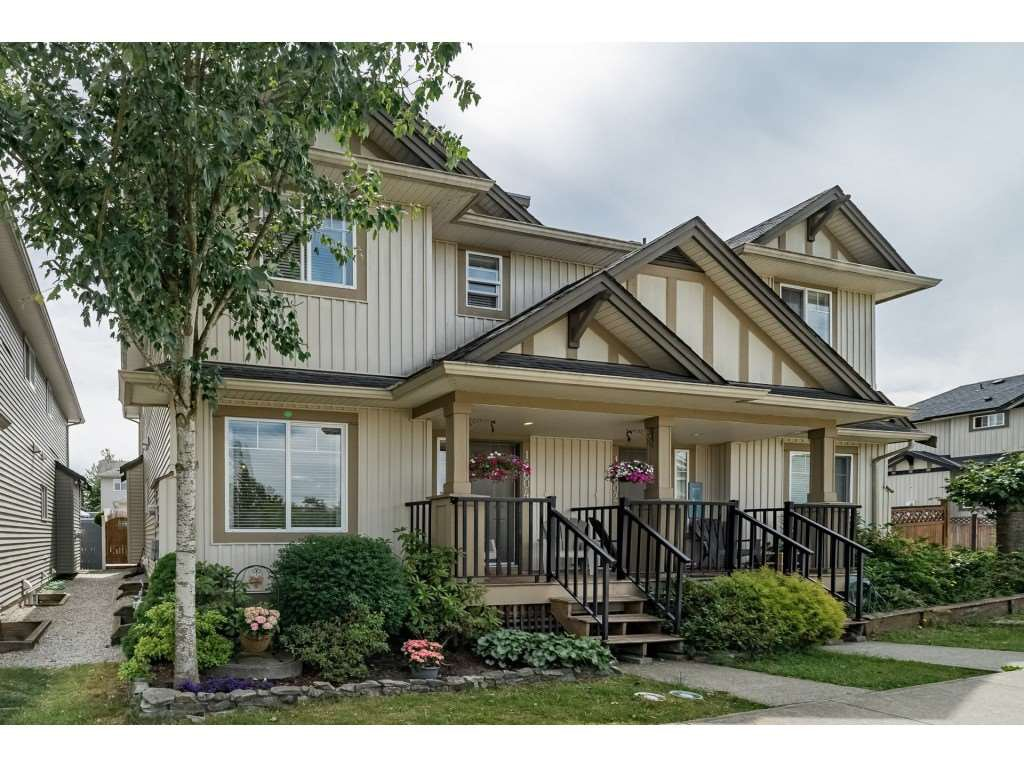 "Main Photo: 16604 60 Avenue in Surrey: Cloverdale BC 1/2 Duplex for sale in ""CONCERTO"" (Cloverdale)  : MLS®# R2286351"