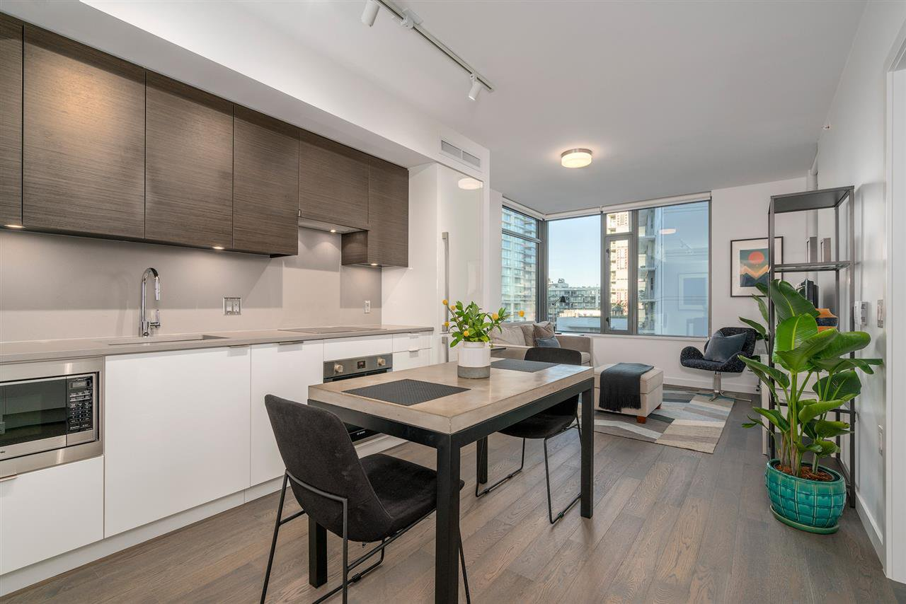 "Main Photo: 601 1688 PULLMAN PORTER Street in Vancouver: Mount Pleasant VE Condo for sale in ""Navio South by Concert"" (Vancouver East)  : MLS®# R2287838"