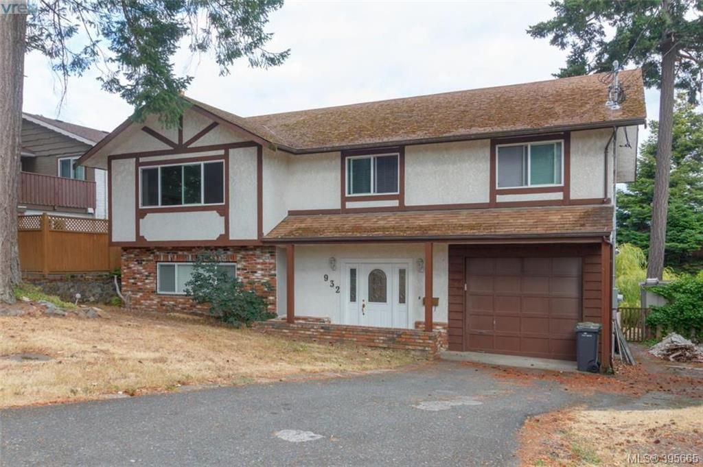Main Photo: 932 Rankin Rd in VICTORIA: Es Kinsmen Park House for sale (Esquimalt)  : MLS®# 793353