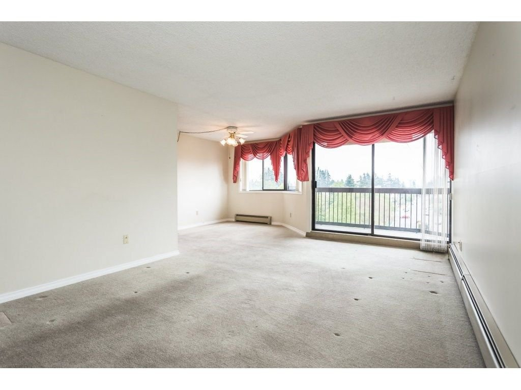 Photo 4: Photos: 517 31955 OLD YALE Road in Abbotsford: Central Abbotsford Condo for sale : MLS®# R2300517