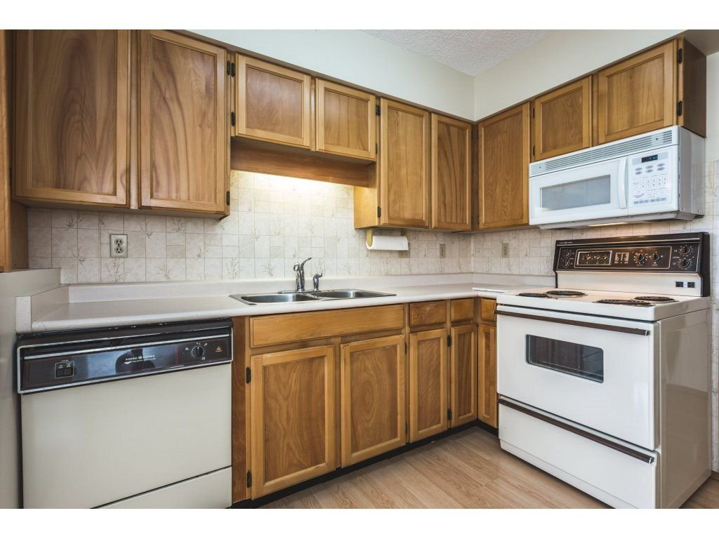 Photo 7: Photos: 517 31955 OLD YALE Road in Abbotsford: Central Abbotsford Condo for sale : MLS®# R2300517