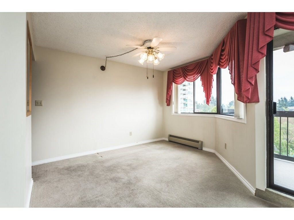 Photo 5: Photos: 517 31955 OLD YALE Road in Abbotsford: Central Abbotsford Condo for sale : MLS®# R2300517