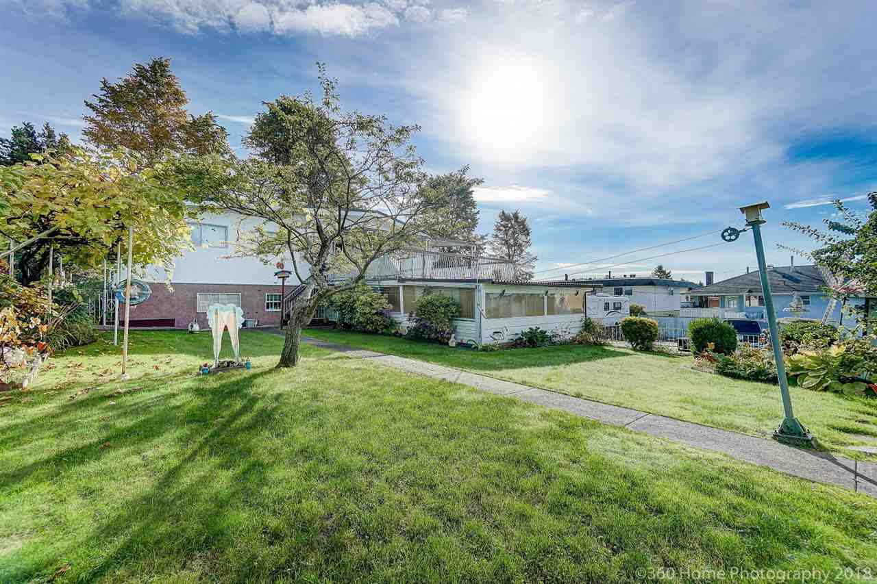 Photo 20: Photos: 741 SPRINGER Avenue in Burnaby: Capitol Hill BN House for sale (Burnaby North)  : MLS®# R2314857
