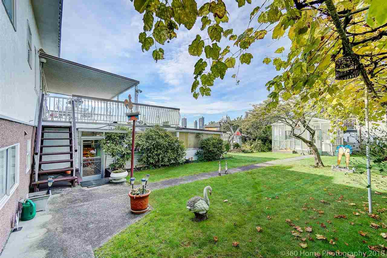 Photo 19: Photos: 741 SPRINGER Avenue in Burnaby: Capitol Hill BN House for sale (Burnaby North)  : MLS®# R2314857
