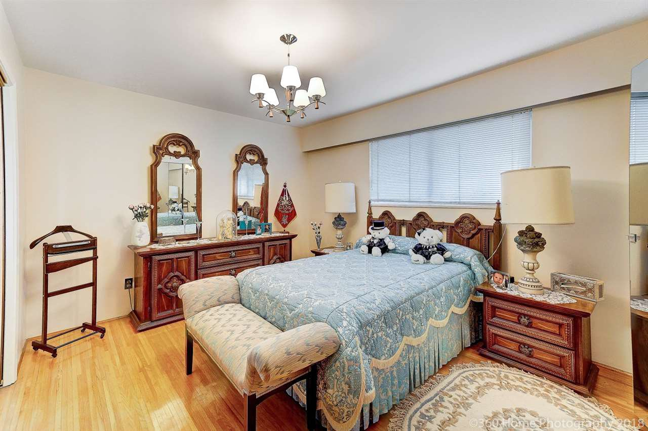 Photo 7: Photos: 741 SPRINGER Avenue in Burnaby: Capitol Hill BN House for sale (Burnaby North)  : MLS®# R2314857