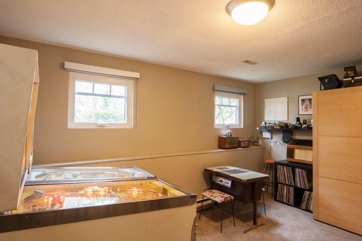 Photo 40: Photos: 1632 CONNAUGHT Drive in Port Coquitlam: Lower Mary Hill House for sale : MLS®# R2351496