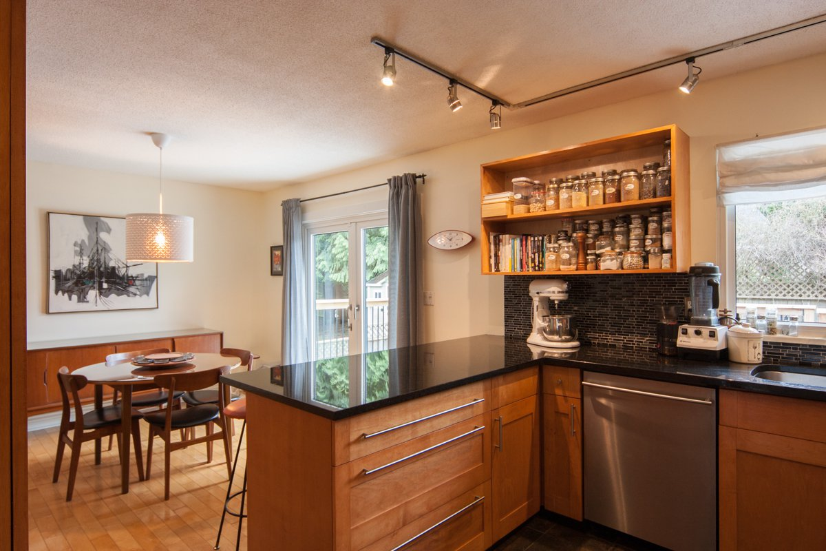 Photo 24: Photos: 1632 CONNAUGHT Drive in Port Coquitlam: Lower Mary Hill House for sale : MLS®# R2351496