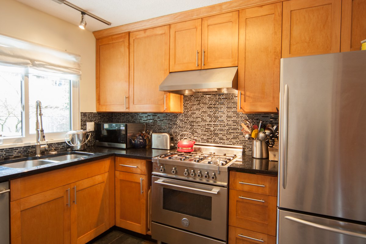 Photo 21: Photos: 1632 CONNAUGHT Drive in Port Coquitlam: Lower Mary Hill House for sale : MLS®# R2351496